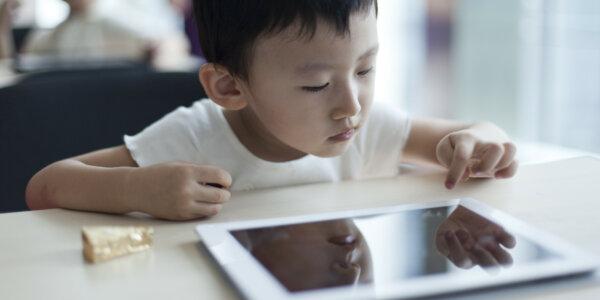 Giai đoạn phát triển ngôn ngữ quan trọng nhất của trẻ