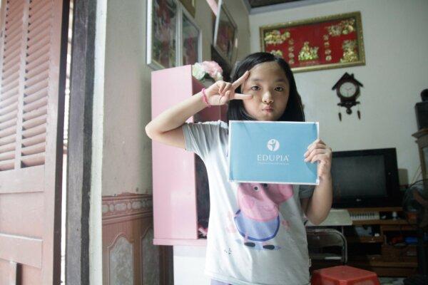 Bé Nguyễn Khánh Chi cô lớp trưởng tài năng