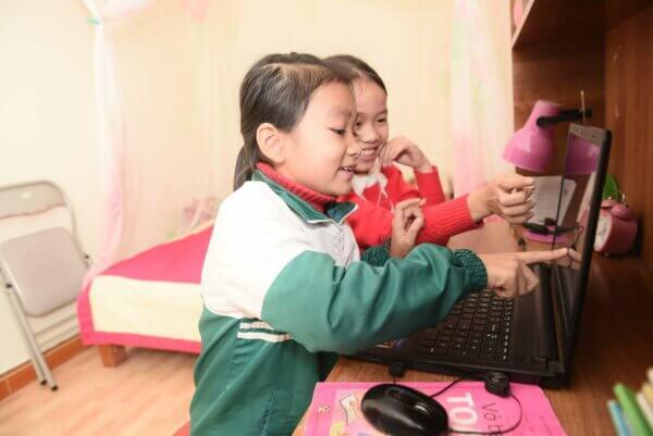 Bà nội U50 Chẳng Biết Tiếng Anh Vẫn Giúp Cháu Siêu Tiếng Anh Dù Chỉ Học Tại Nhà